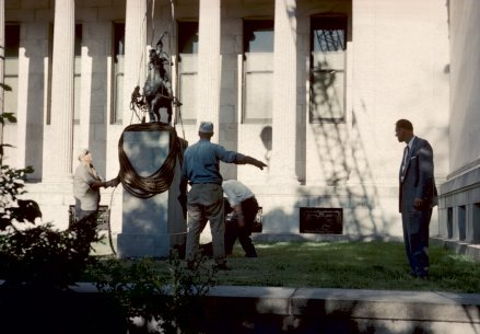 MovingCharles CaryRumsey'sPizarroto the west side of the museum on August 1, 1960