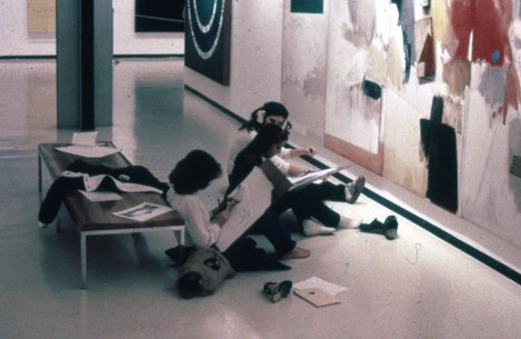 Student artists at the Albright-Knox as part of an Advanced Placement Drawing Class, ca. 1982–84. In the foreground is Robert Rauschenberg's Ace, 1962
