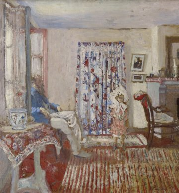 Sunlight streams into a living room from open floor to ceiling windows on the left-hand side of this painting. A man sits with his back to the window, facing a child who stands slightly to the right of the image's center on the room's red-and-white striped carpet. A table with a decorative urn, a patterned curtain behind the child, and the rest of the room's furnishings are also largely in shades of white and red with blue accents. The entire scene is painted in rough, loose brushstrokes.